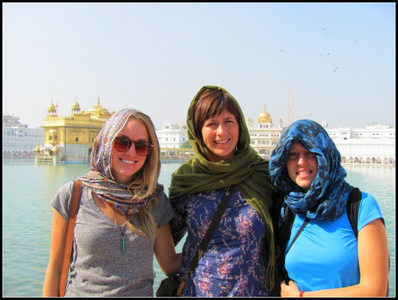 women travellers backpackers indian backpacker