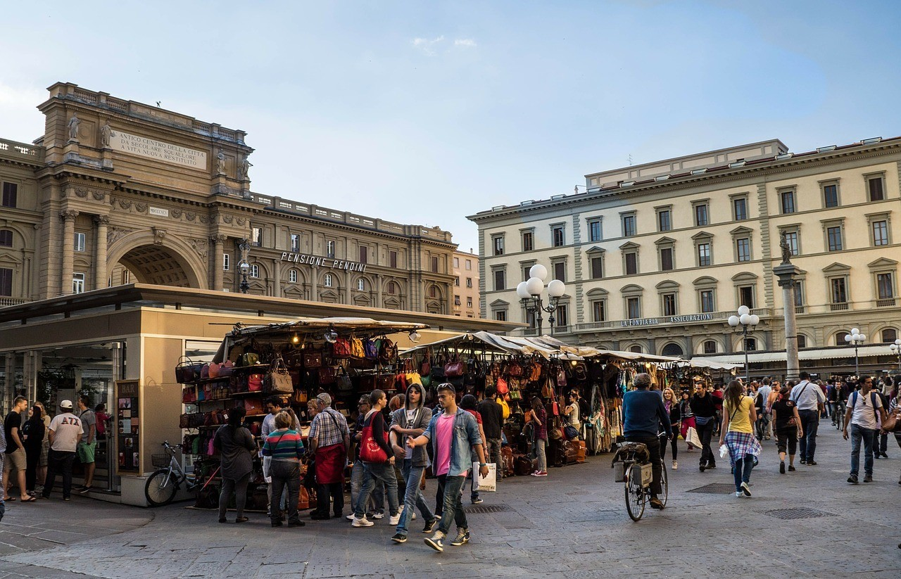 Guide to the San Lorenzo Market in Florence