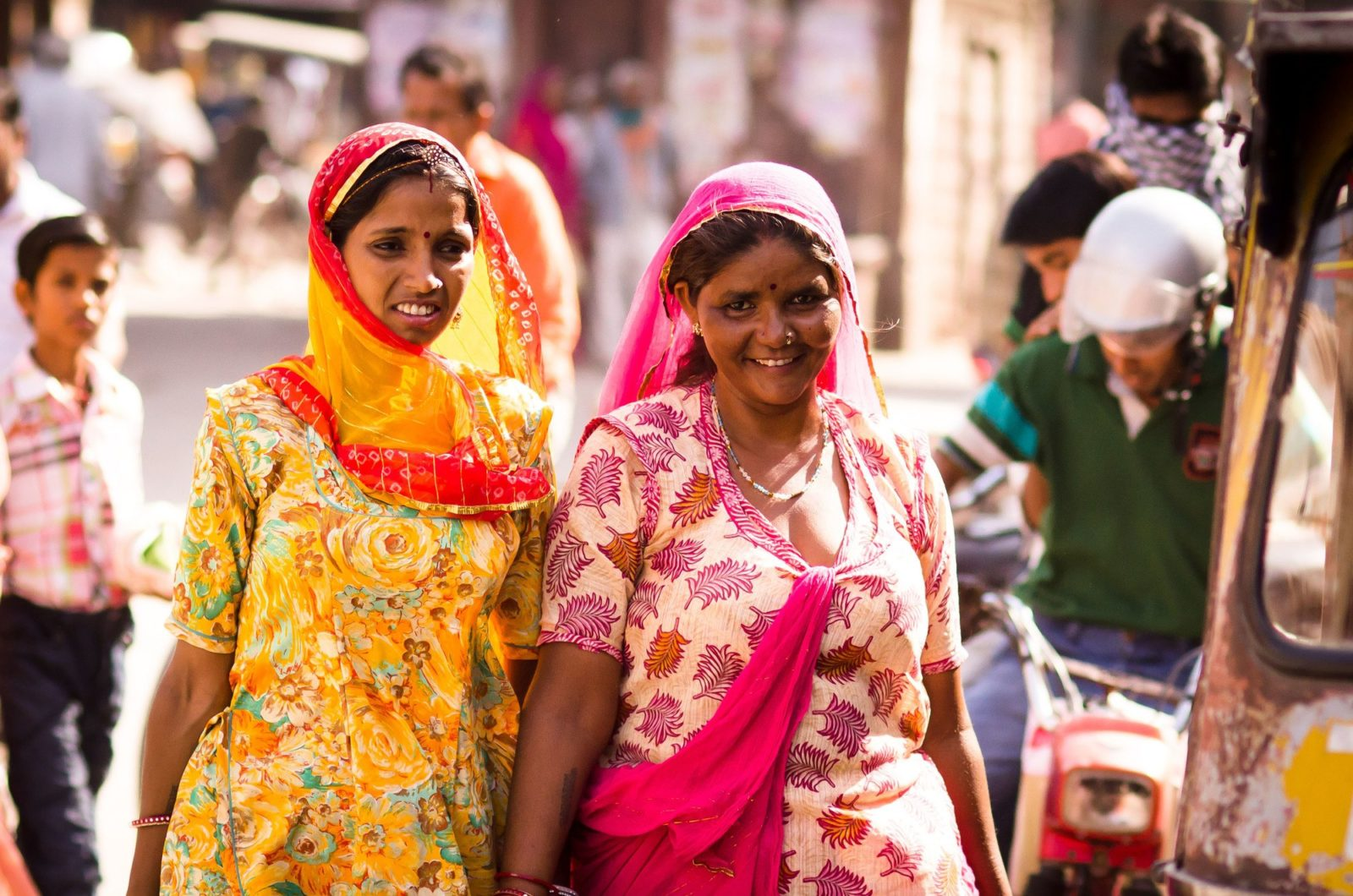 how to dress in india saris