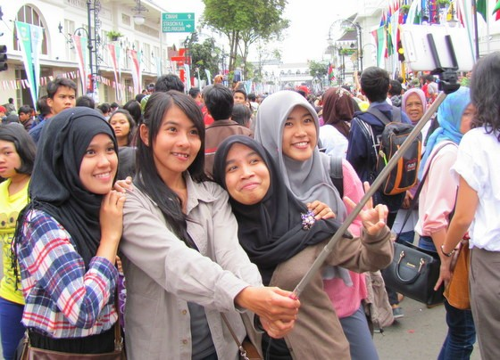 what to do in bandung selfie sticks