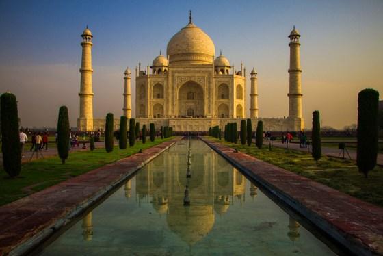 taj mahal backpacking india itinerary