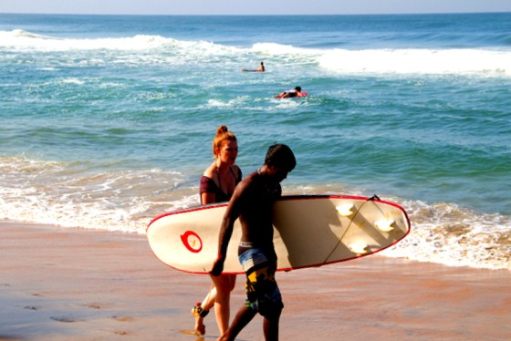 surfing in varkala