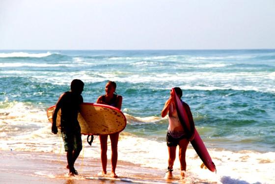surfing in varkala