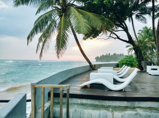 Guide to Unawatuna where to stay infinity pool