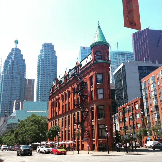 Luxury Guide to Toronto Financial District