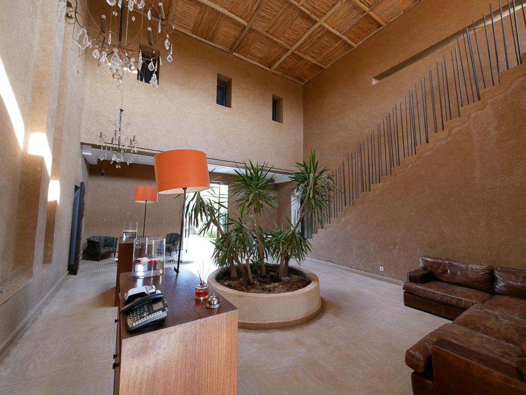 Les Cinq Djellabas Review, Marrakesh
