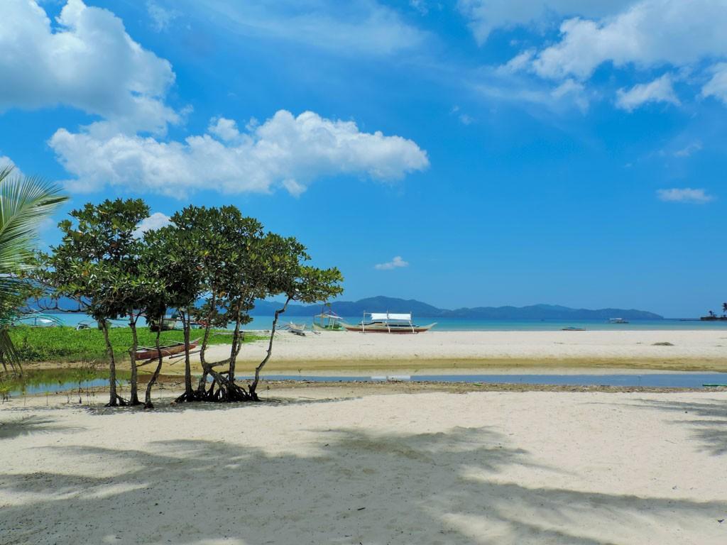 the seaside at Port Barton, a good enough reason to visit palawan