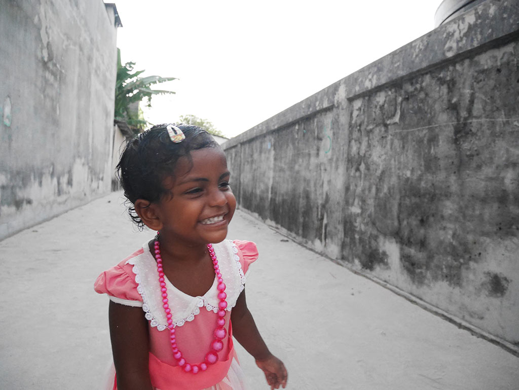 Smiling girl, Gaafaru, Maldives