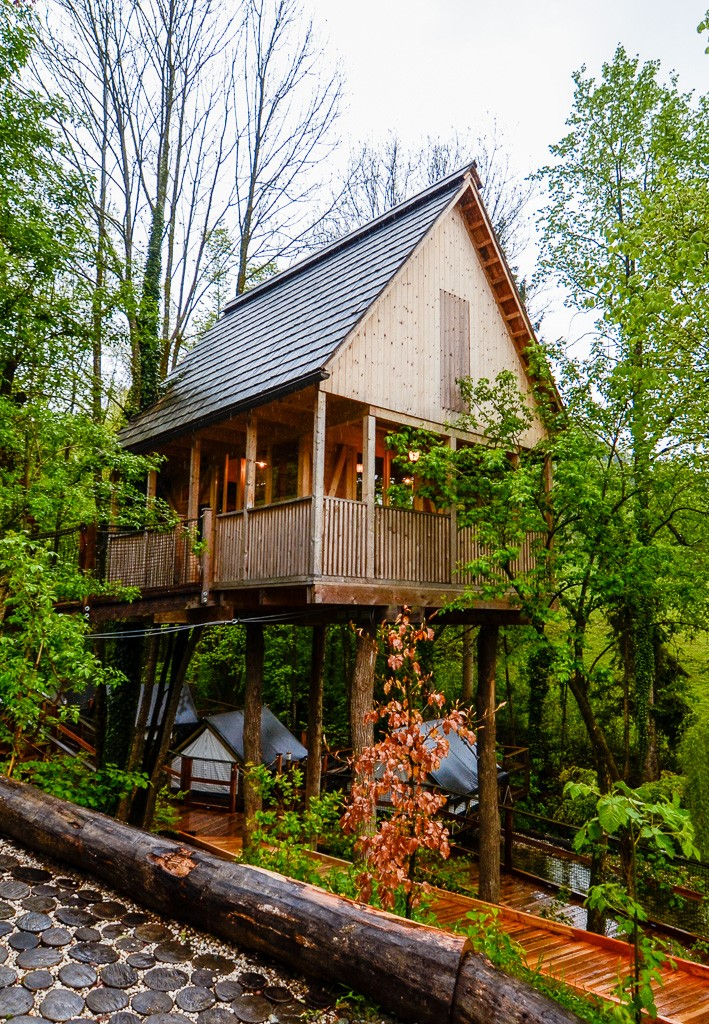 Treehouse at Garden Village Bled