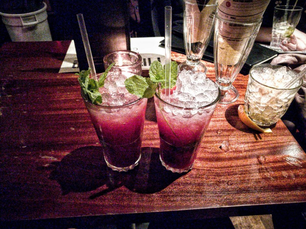 Offbeat things to do in London: Grab a drink with friends in Camden