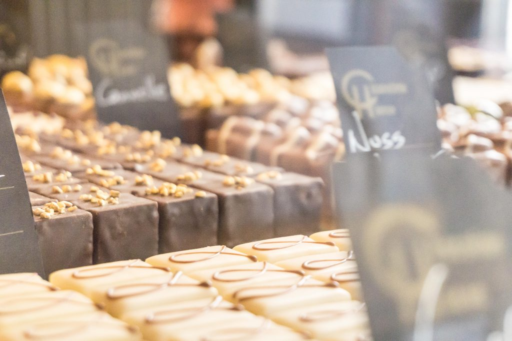 Things to see and do in Luxembourg: Visit a café