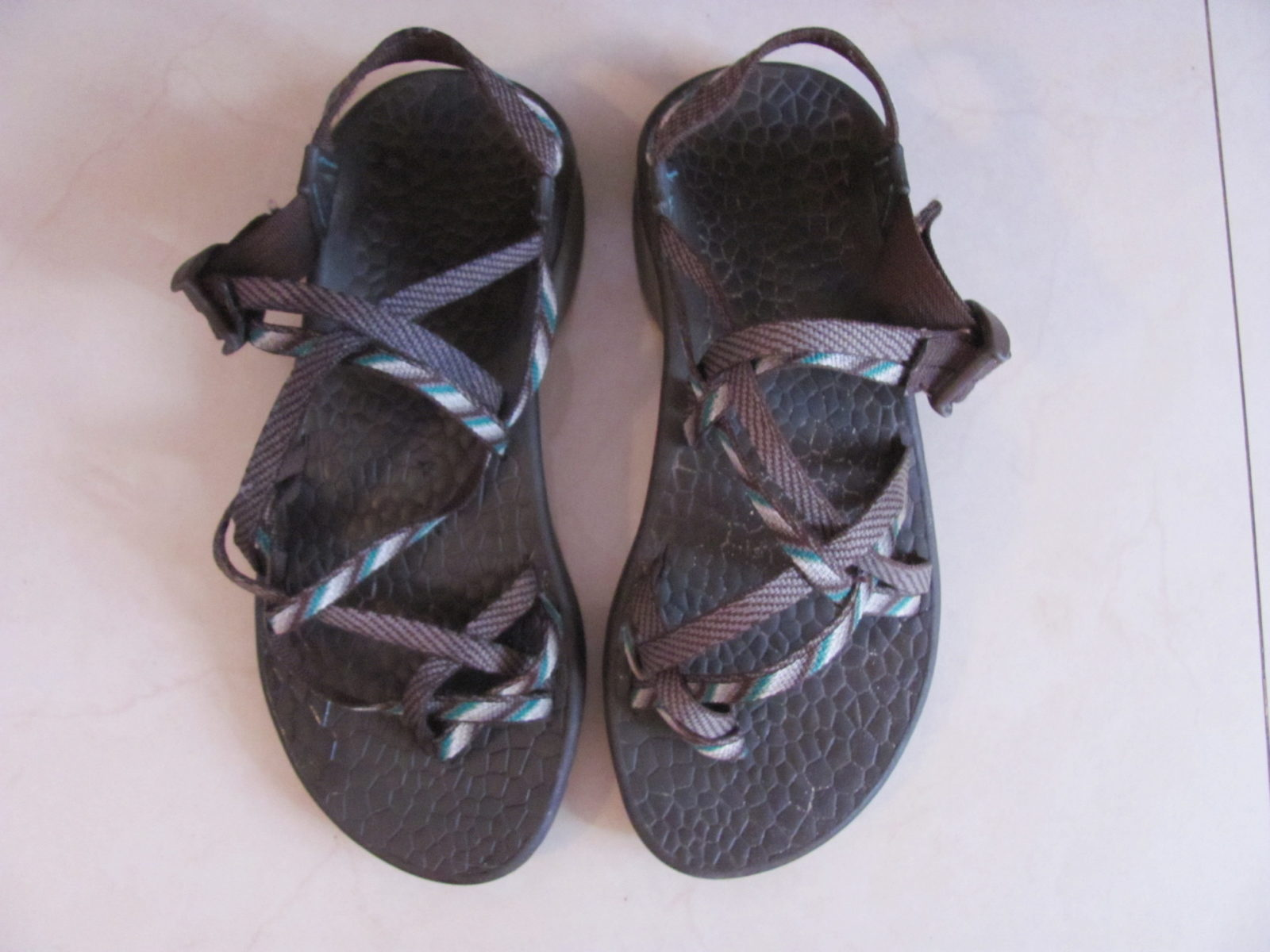 These guys are the absolute best travel sandals. However, sometimes it's tricky to figure out what to order, so I made a Chacos buying guide!