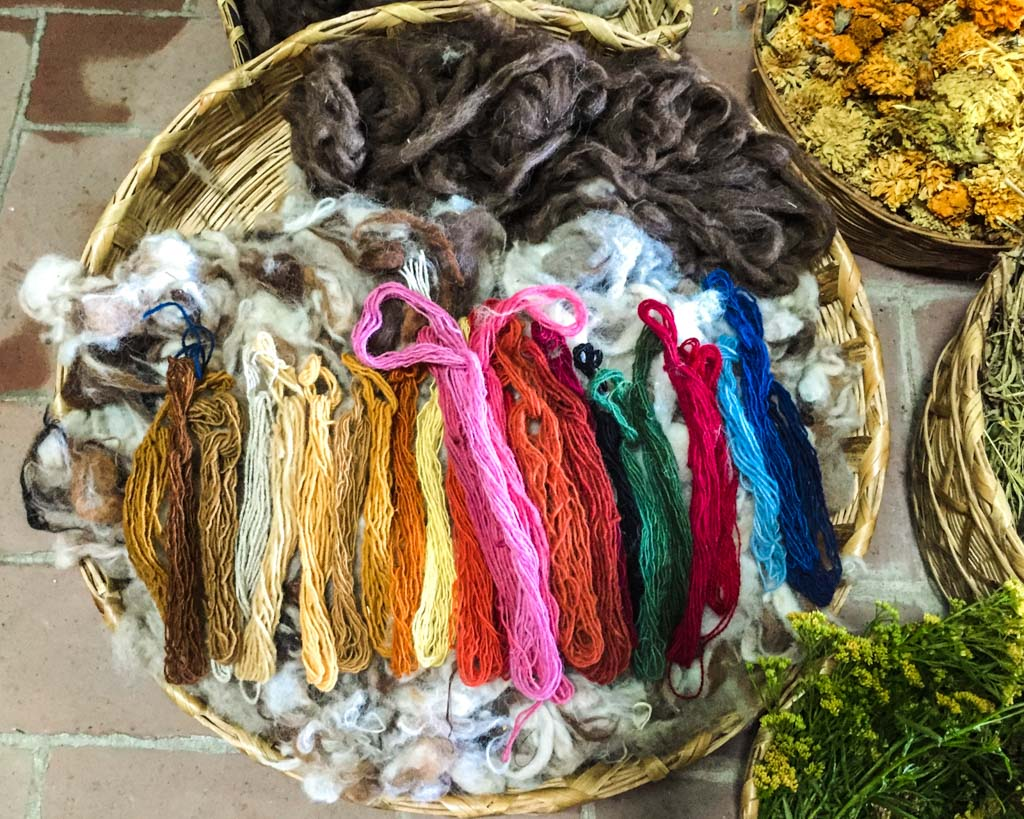 natural dyes weaving oaxaca