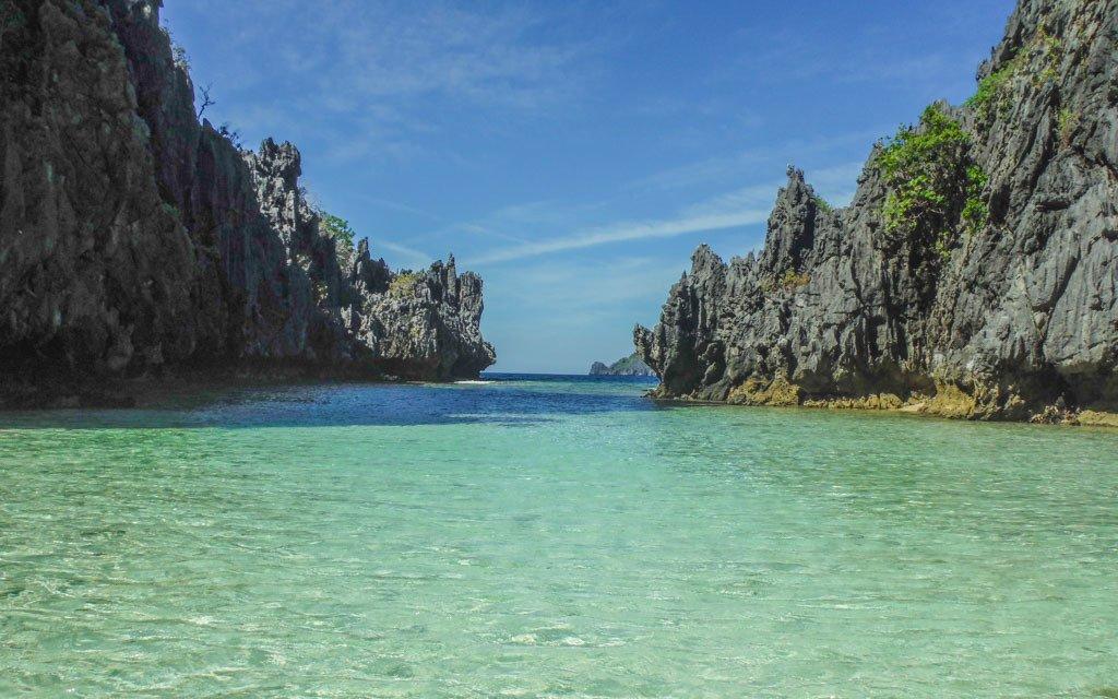 Hidden beach in El Nido Tour C -travel expenses in southeast asia