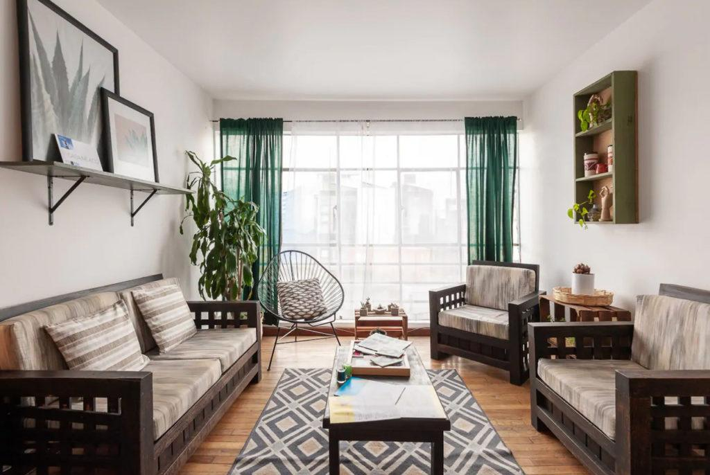 View this apartment on Airbnb