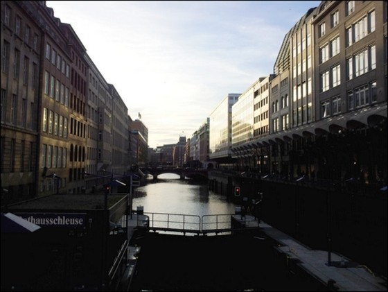 luxury guide to hamburg germany backpackers boutique canals