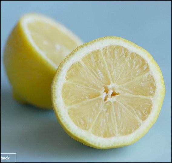 DIY lemon sugar scrub